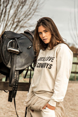 SWEATER LOVE, ROCK & COWBOYS