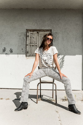 CHEETAH FLARE PANTS CREME.
