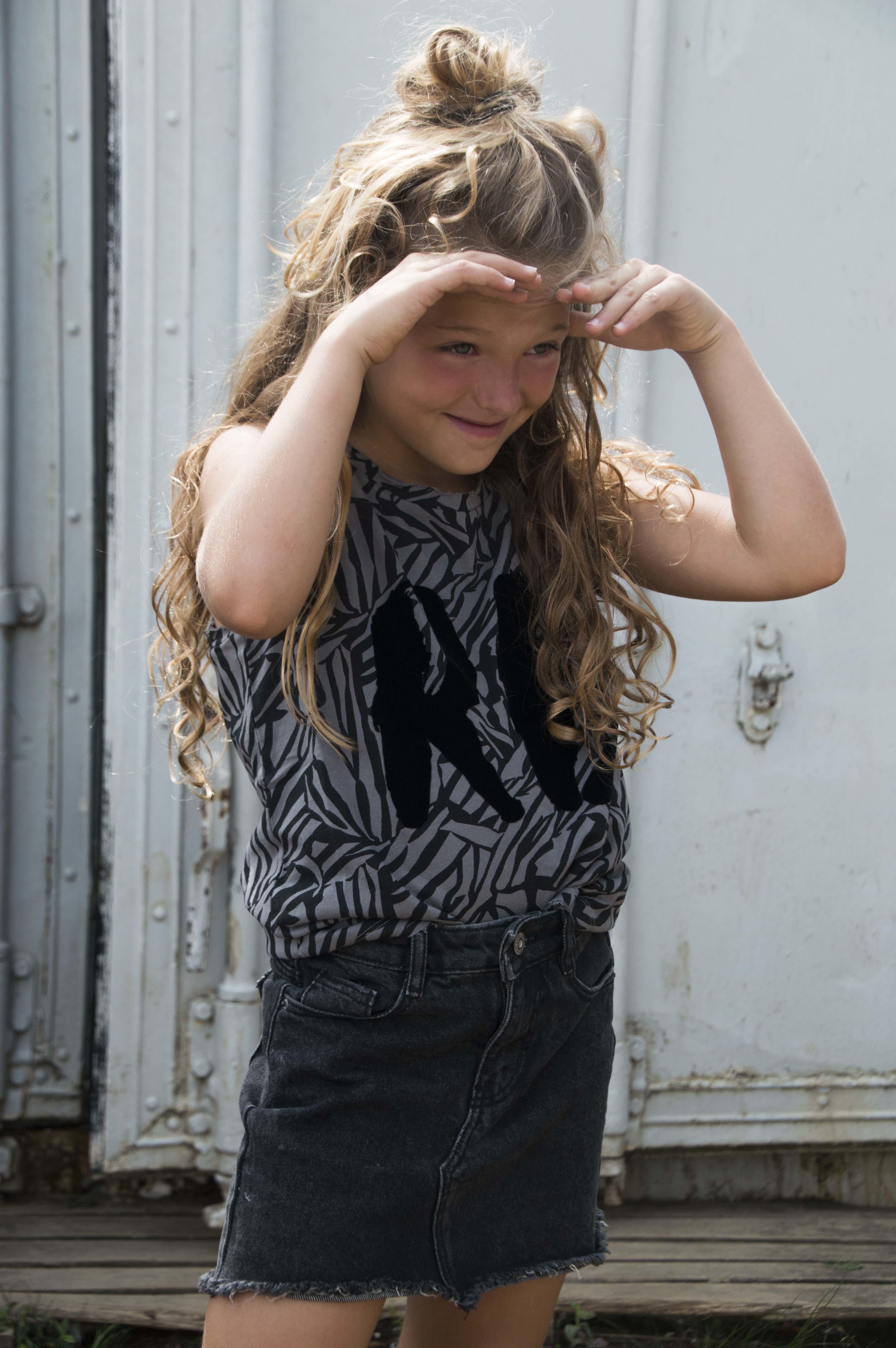 GIRLS MUSCLETEE : ZEBRA GREY